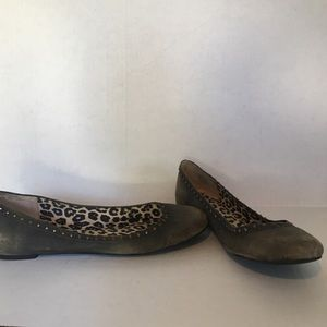 Lucky Brand tan suede studded flats. Size 9.5